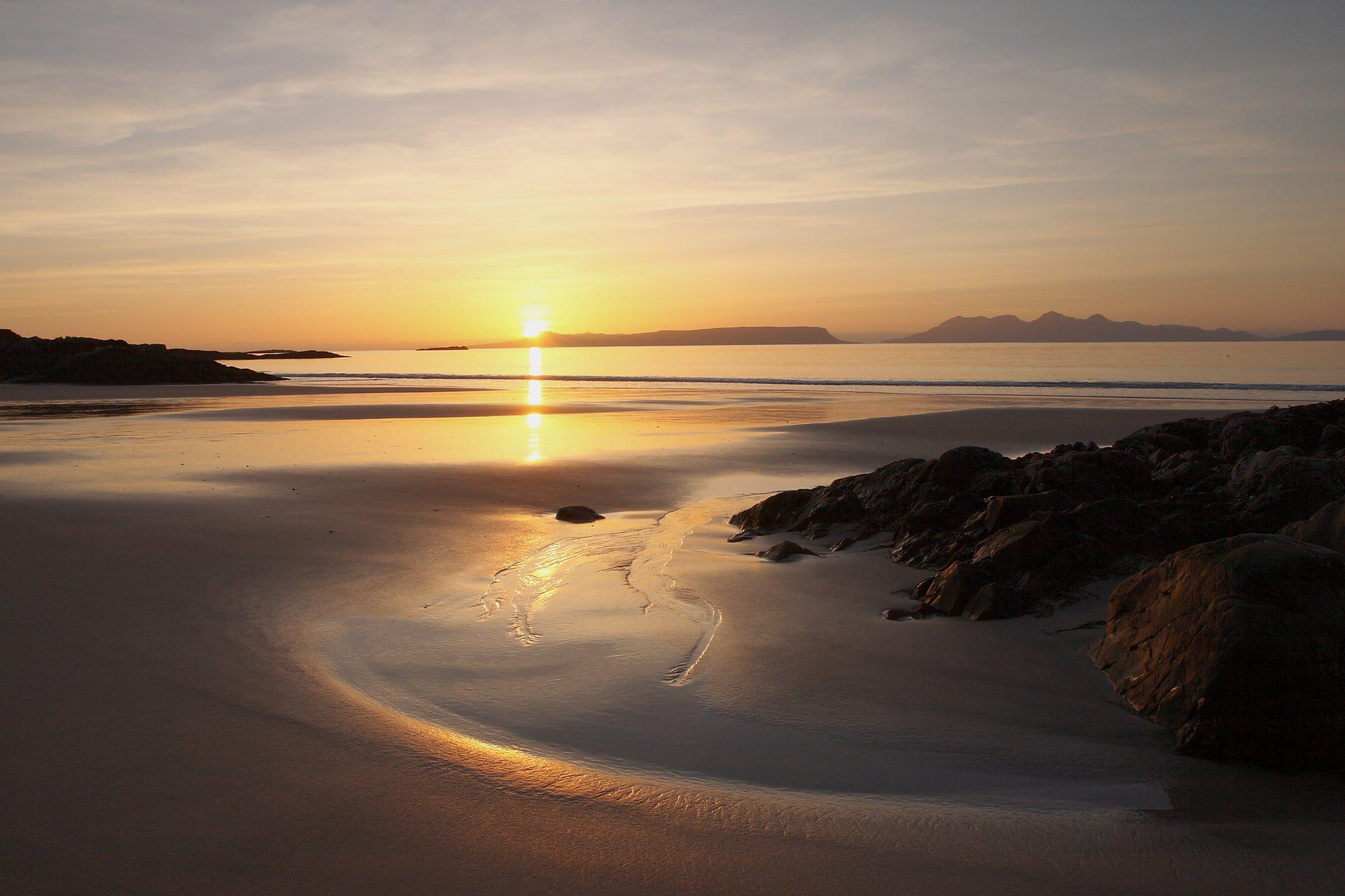Isles_Of_Rum_Sunset